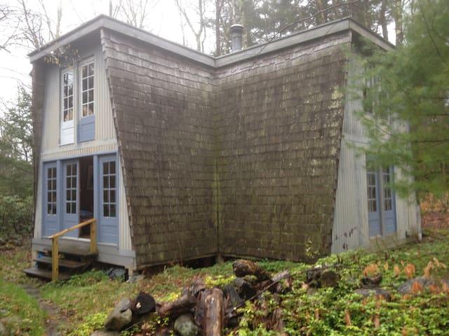 Lakefront Cottage - Tolland - Houten huisje