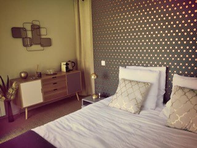 Bed&Breakfast de charme - Grosrouvre - Bed & Breakfast
