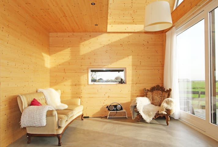 Wooden eco cottage near Amsterdam - Oostknollendam - Cabaña