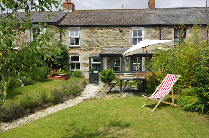 Cornish Cottage, 10 min from beautiful beaches - Saint Newlyn East - Hus