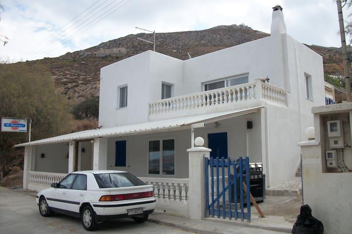 The house in Agia Marina ( Broozi ) - Agia Marina - Hus