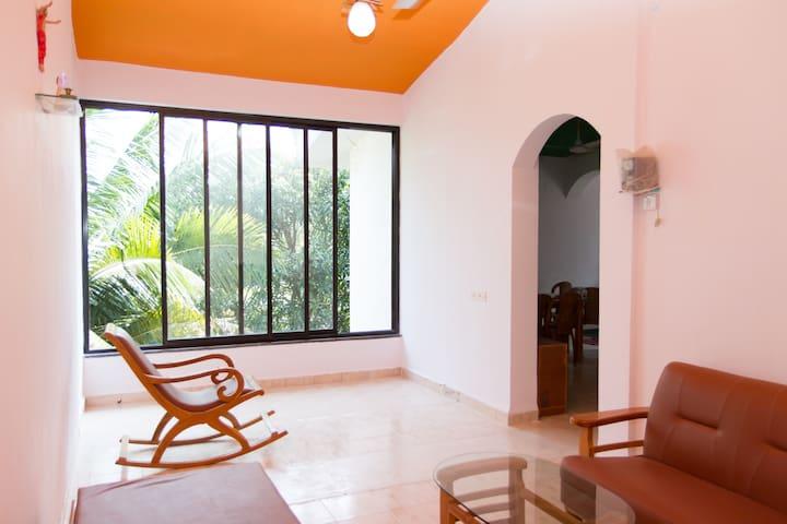 2 Bedrooms,Dinning, Hall Kitchen & Free WiFi - Benaulim - Lägenhet