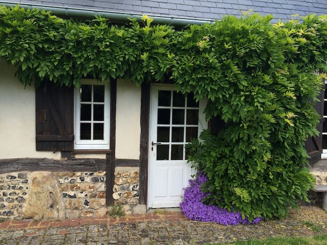 Charming and cosy typical Norman house - Ajou - Hus