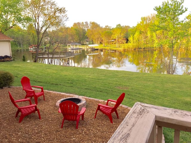 Family Friendly Lake House w/ Dock near Nashville - Mount Juliet - Feriehjem