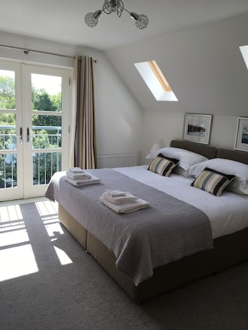 Riverbank luxury self catering apartment - Nairn - Byt