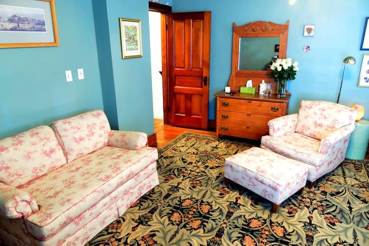 Boutique style with spa amenities - Port Clinton - Leilighet