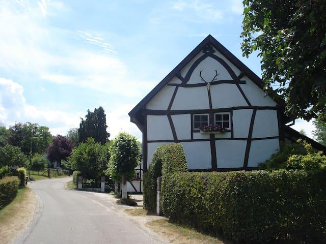 Comfortable cozy cottage - Gulpen - Ev