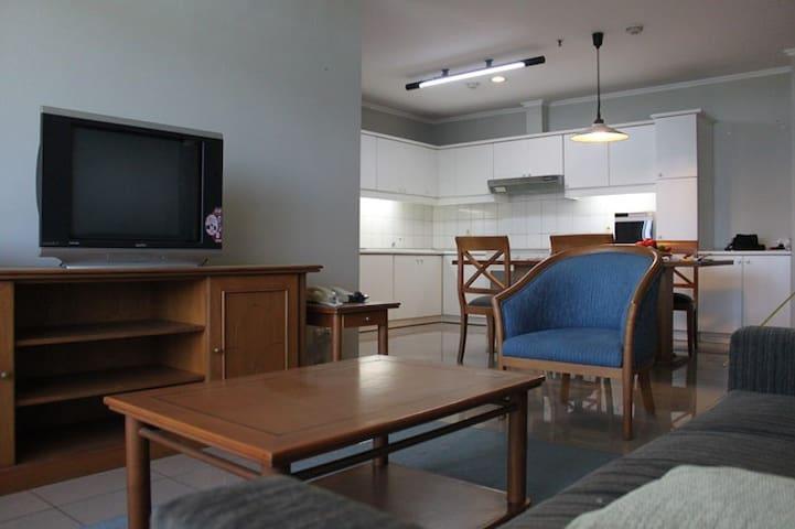 Apartement Pondok Klub Villa - South Jakarta