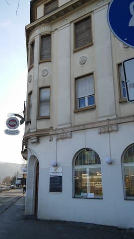 Schönes Altbauzimmer in zentraler Lage - Heidelberg - Apartamento
