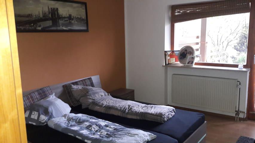 Vermiete mein Schlafzimmer in Top Wohnung/Wohnhaus - Passau - Lägenhet