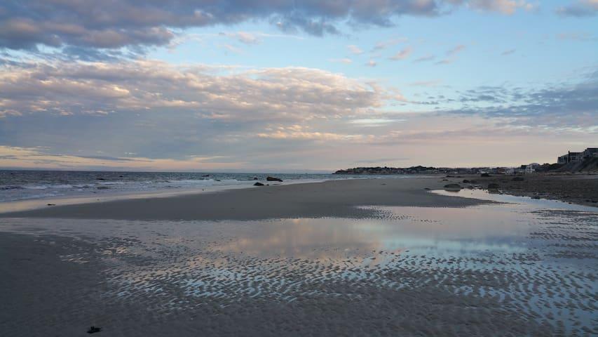 Priscilla Beach Cozy Cottage-5 min walk to beach!! - 普利茅斯 - 獨棟