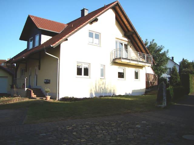Christs Ferienwohnung im Weindorf Köngernheim - Köngernheim - Daire