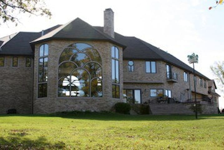 Amber Oaks Country Estate - Milford