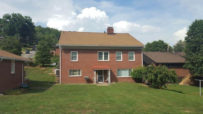 Almost Home, Clarksburg WV - Clarksburg - Appartement