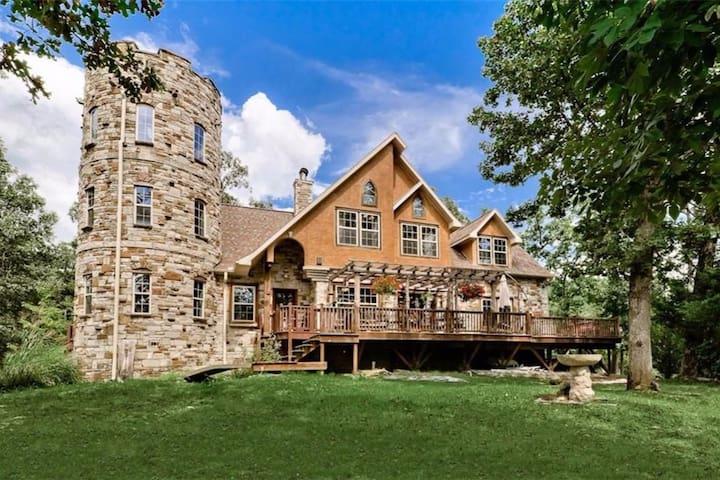 Stonehaven Castle - Eureka Springs