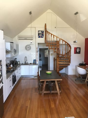 Gorgeous 2 brm Apartment in sunny East Fremantle - East Fremantle - Daire