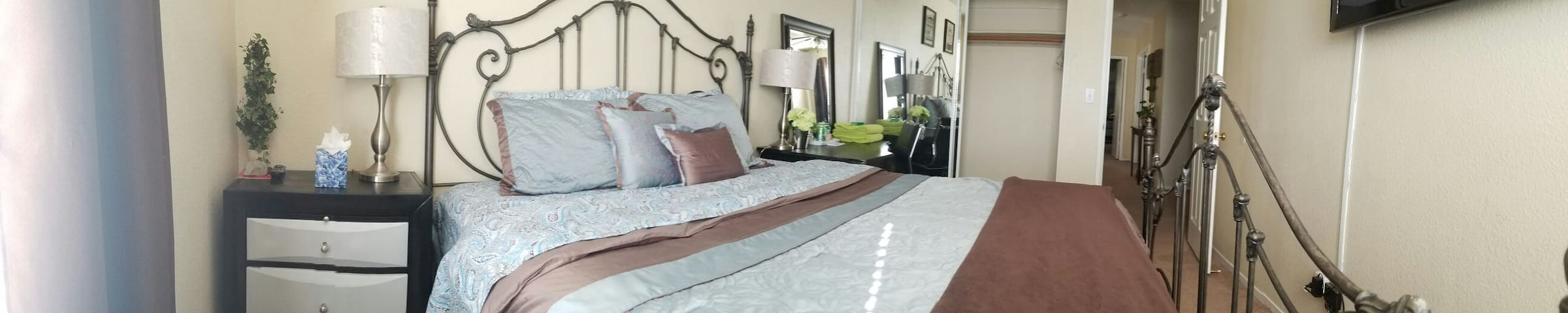 unique and clean Delta room. - Antioch