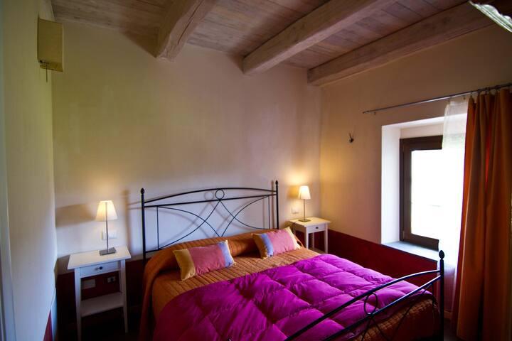 The B & B Spigo, Tuscany, Red Room - Aulla - Bed & Breakfast