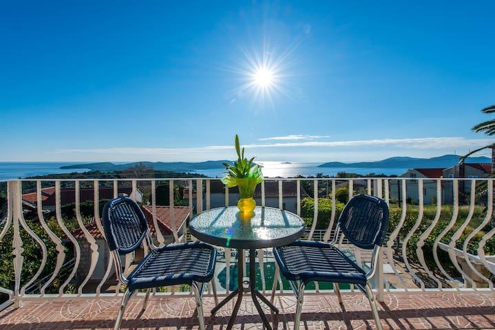 Apartment (Ap 2) with balcony & pool, sea view - Dubrovnik - Apartamento