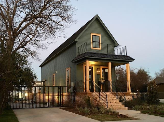 Shotgun House - Waco - Ev