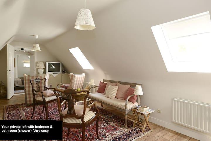 Cosy loft (3pieces) in nice villa - Tremelo - 別荘