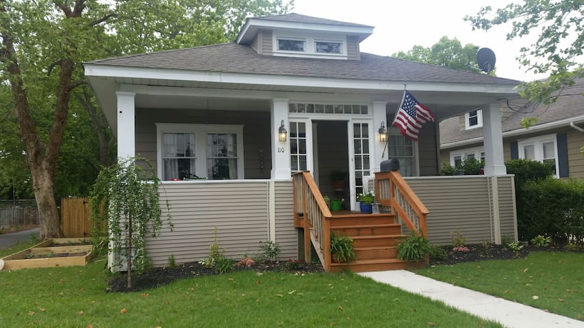 Charming home near Beach - Northfield - Casa