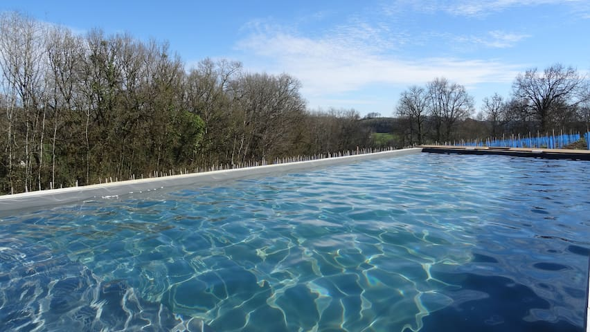 Dordogne Valley: Heated pool & jacuzzi 2-4 people. - Ligneyrac - Cabaña en la naturaleza