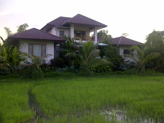 countryside living w. comfortable - Chiang Mai, Thailand - Hus