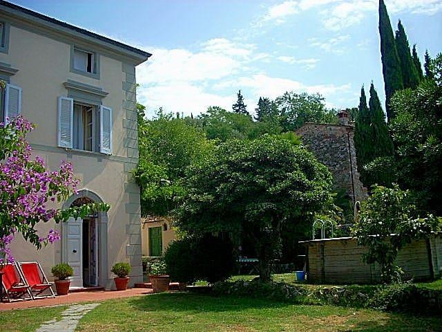 '800 Villa between Pisa and Lucca  - Filettole, Pisa - Villa