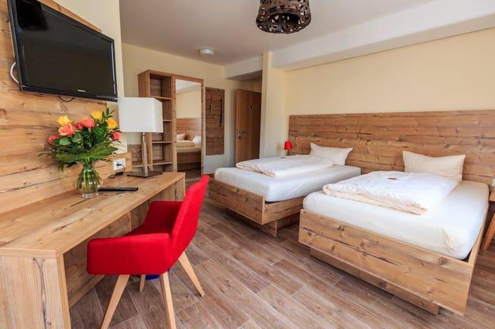 Superior Einzel-, Doppel-, Dreibett - Wolframs-Eschenbach - 家庭式旅館