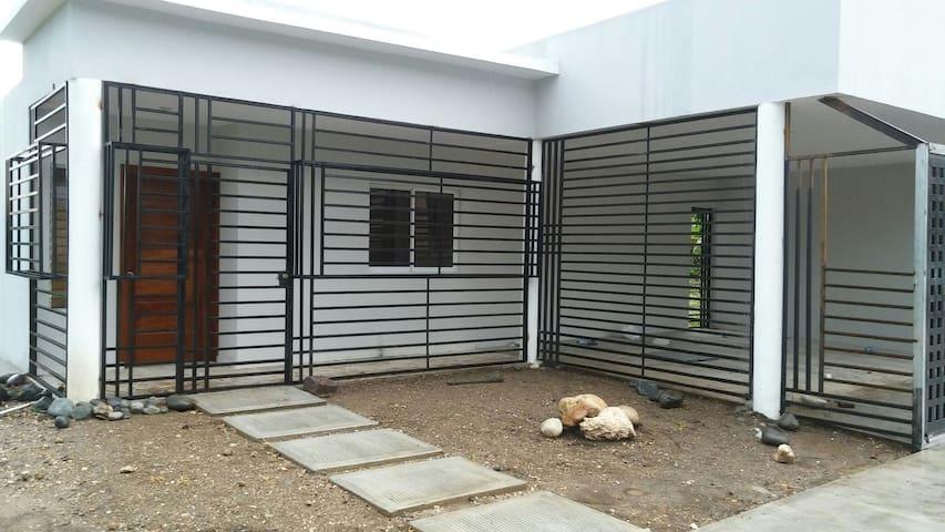 Casa estilo moderno(NUEVA) - San Cristobal - Ev