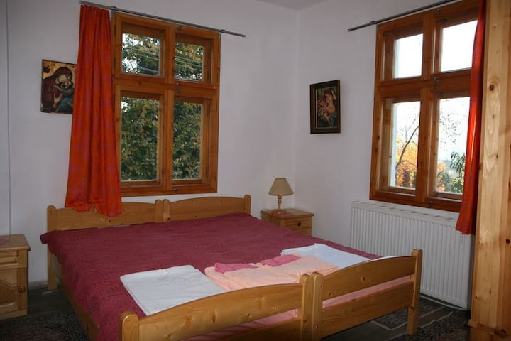 Double room from the house - Tsareva livada - Hus