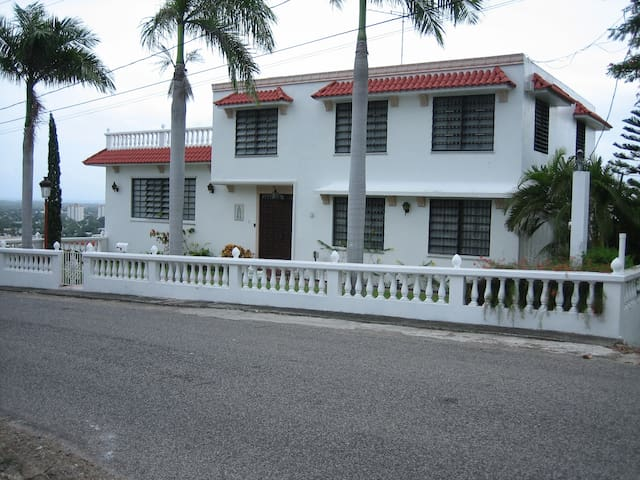 Spanish Style Villa - Ponce, P.R. - Ponce - Talo