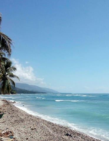 Monica's Beach House - Jacmel