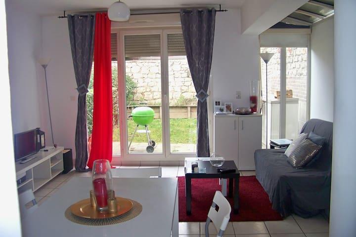 Studio cosy avec jardin près de la gare TGV - Mantes-la-Jolie - Appartement