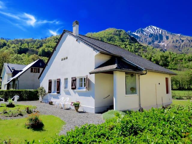 Maison aux portes du parc national des Pyrénées - Arrens-Marsous - Huis