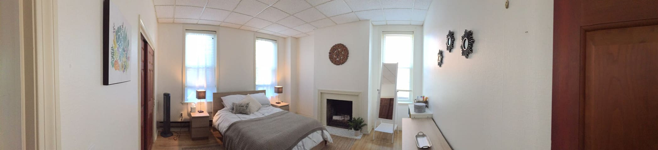 Downtown Apartment, Walk to Amherst College, UMASS - Amherst - Appartement
