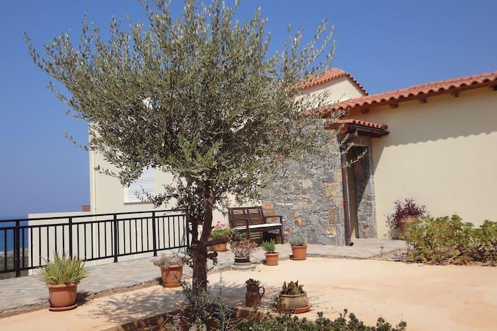 Villa Elia with swimming pool and panoramic views - Lasithi