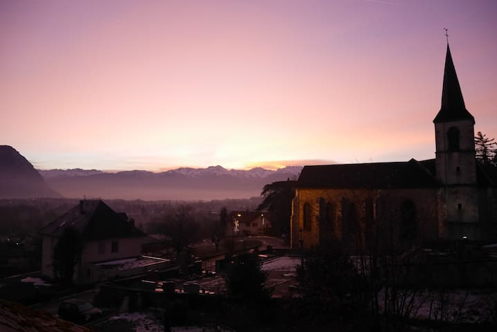 Private room with double bed, close to Chambéry - Apremont - Casa