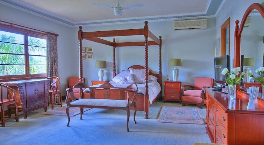 Melville House B&B - Blue Pearl Room - East Lismore - Bed & Breakfast