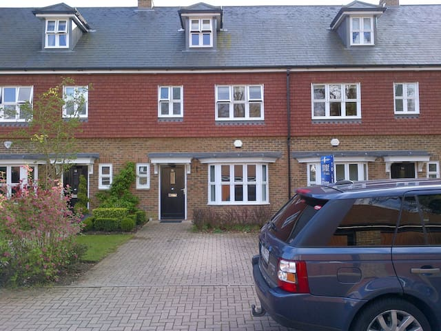 3 bed Ascot house in private estate - Windsor and Maidenhead - Rumah