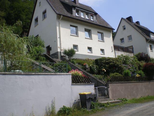 Ferienwohnung, Monteurwohnung, Wohnung auf Zeit - Altena - Leilighet