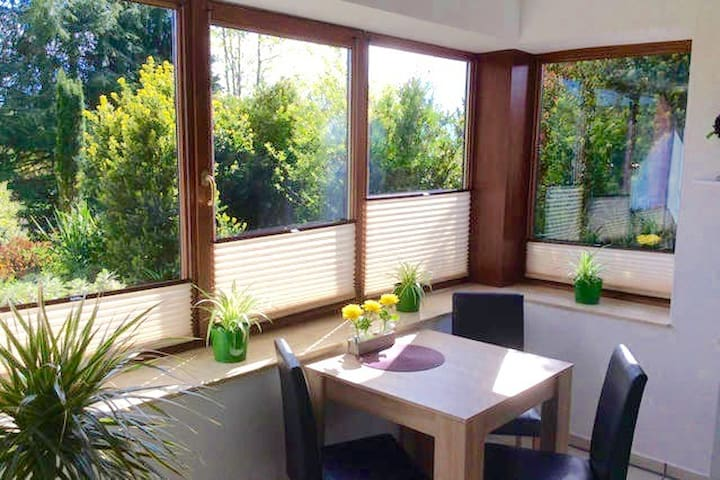 Happy Home with garden view - Lauenau - Departamento