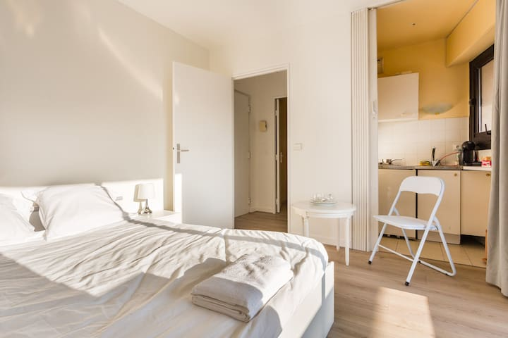 Lovely Studio with Balcony#Standing#Paris - Levallois-Perret - Daire