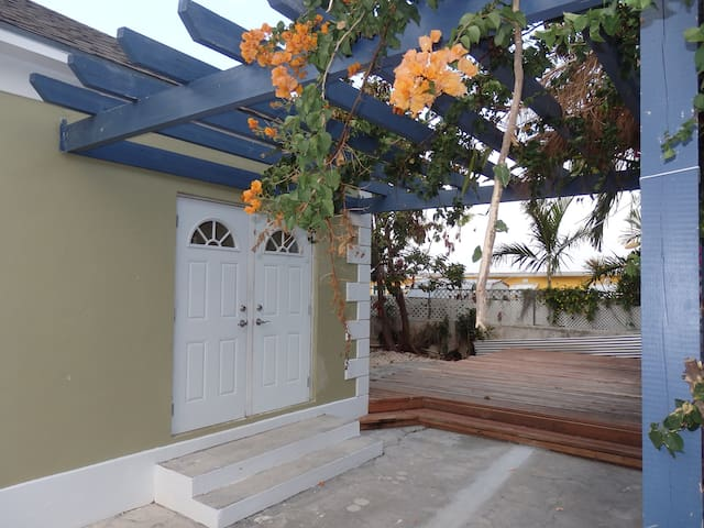 Tropical Paradise Rental - Nassau - Haus