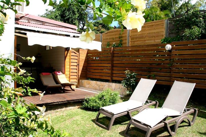 Studio 1 to 2 persons with garden  - Deshaies