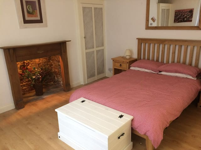 Cosy Flat Nr Barbican, Hoe & City Center + Parking - Plymouth