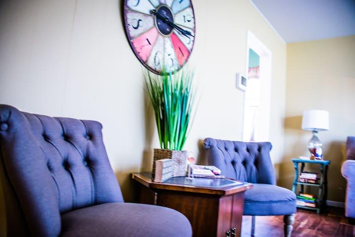 Cute, Clean Vacation Rental House - Danville - Hus