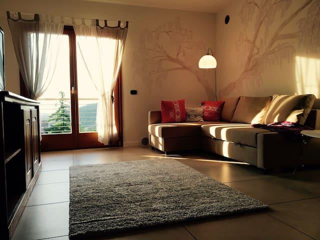 Sole e silenzio a 10 min dal centro - Montevaccino - Apartamento
