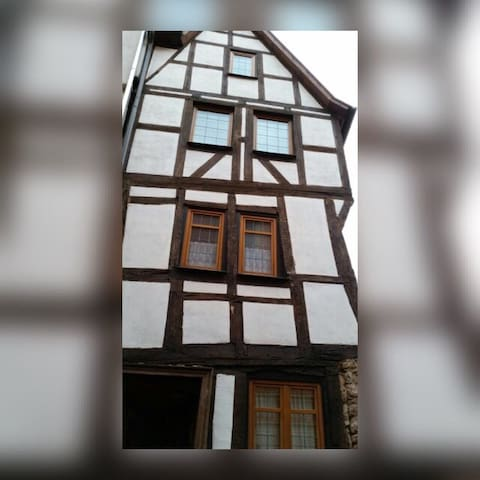 Zentral in der Oberstadt, beste Lage Marburgs - Marburg - Appartement